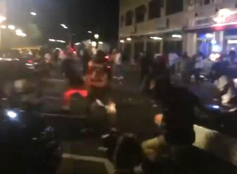 News video: Dramatic Video Shows US Gunman Shooting at Crowd
