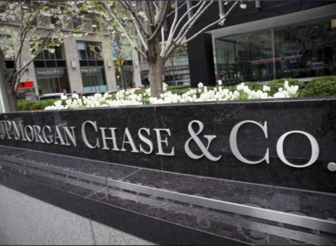 News video: JPMorgan Pulls Back From Mortgage Lending On Foreclosure Worries